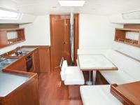 Charter a BENETEAU OCEANIS 45 in Greece with George Vlamis Yachts and Yacht Management